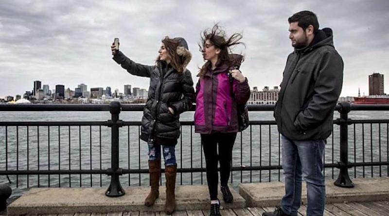 Syrian family_UNHCR_Canada_embassynews