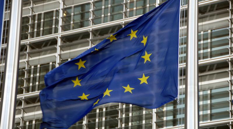 Drapeaux européens devant le Berlaymont